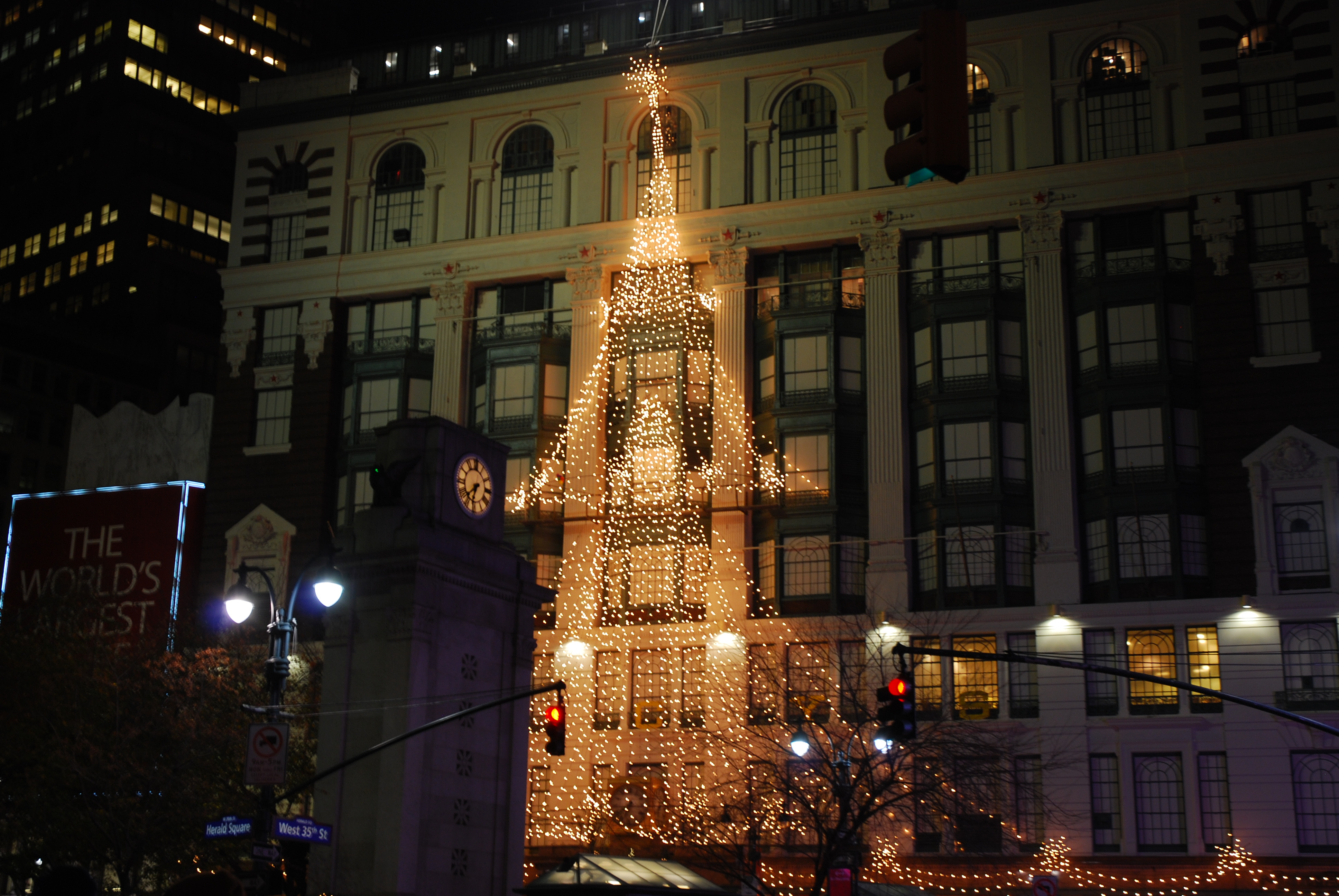 New York at Christmas: 10 Festive Things to Do in New York ...
