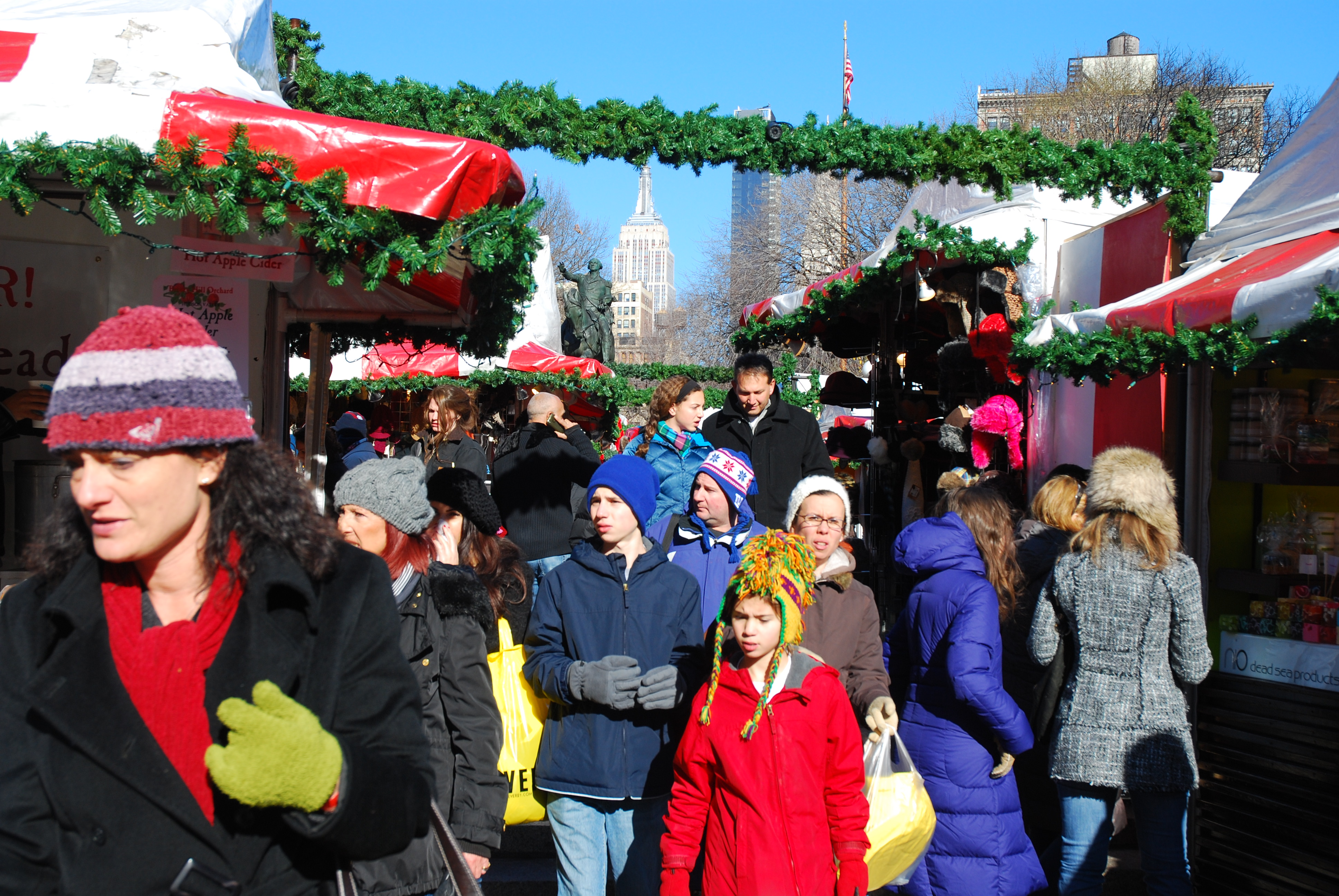 New York at Christmas: 10 Festive Things to Do in New York City ...