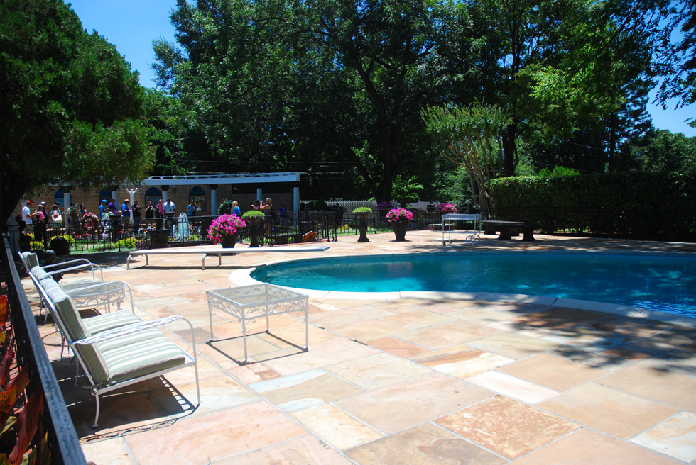 Elvis Presley's Graceland Swimming Pool