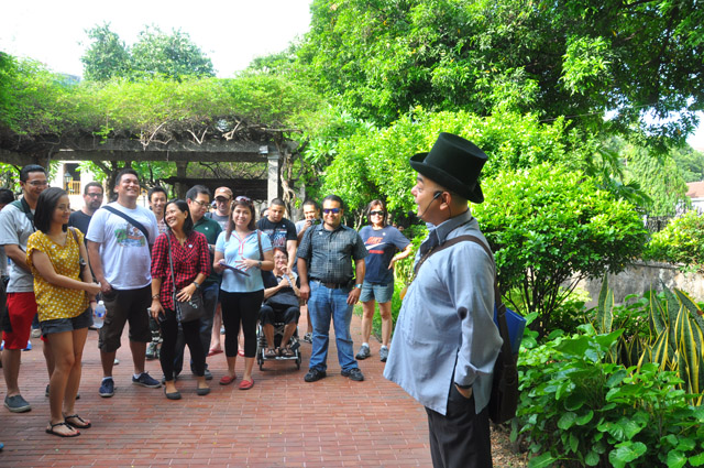 Carlos Celdran Walking Tour Manila