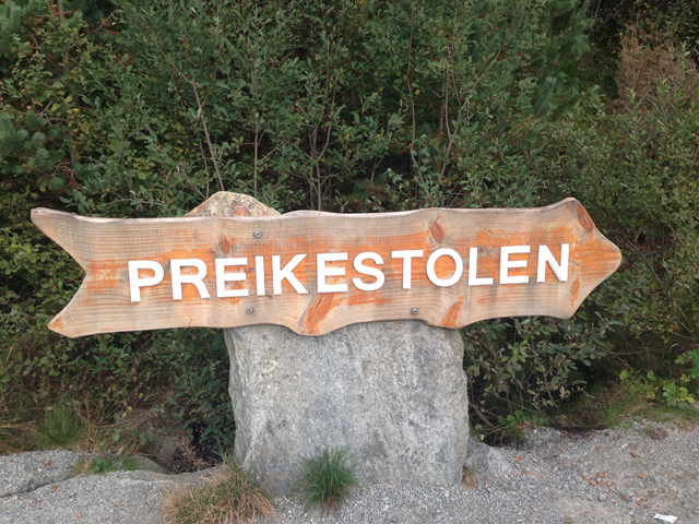 Preikestolen Sign Post