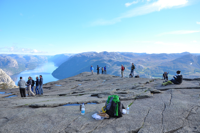 Tips for Hiking Preikestolen