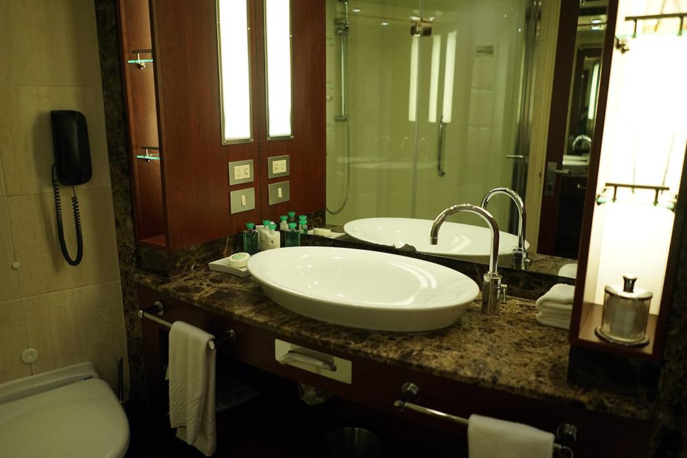Silversea Veranda Suite Bathroom