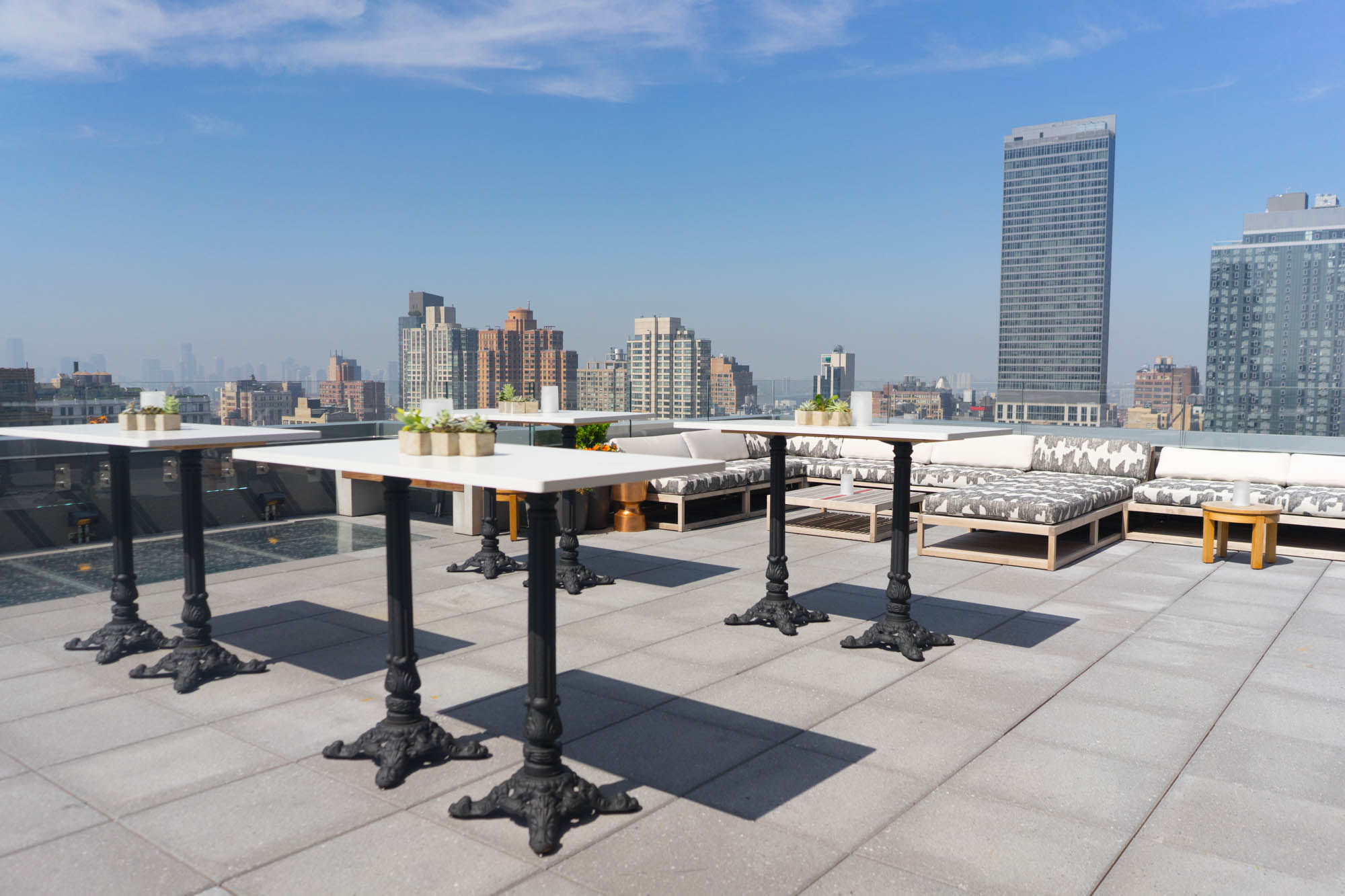 Arlo Nomad Rooftop Bar