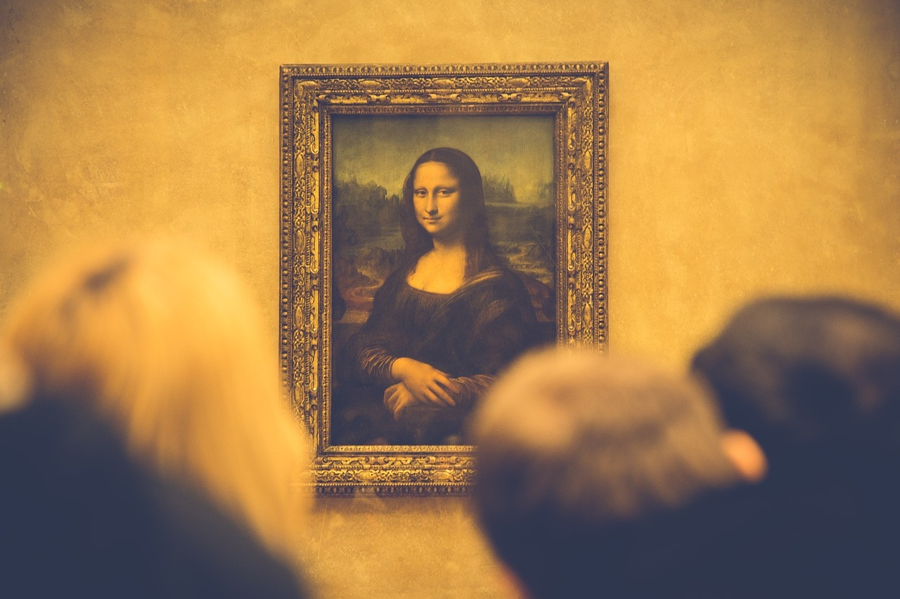 Mona Lisa inside the Louvre Museum